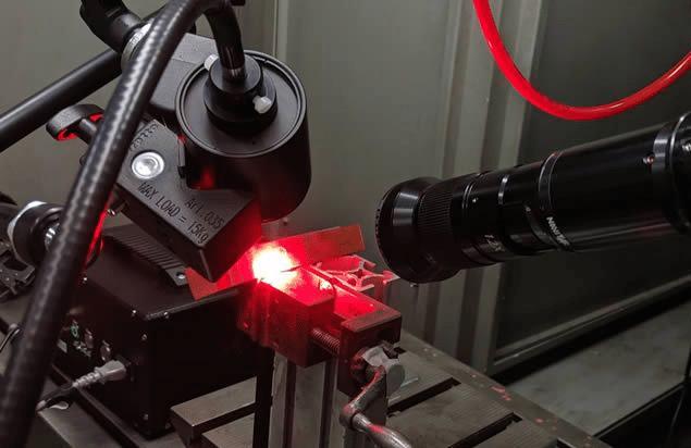 Laserschweißen mit roter LED